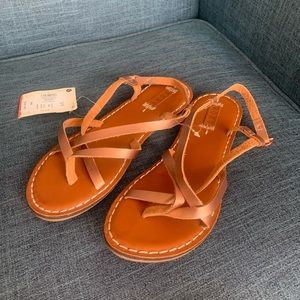 NWT Roxy Chickadee sandals size 9